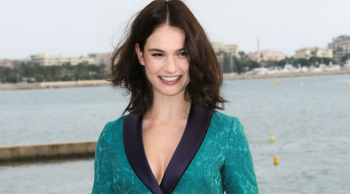 Lily James morena