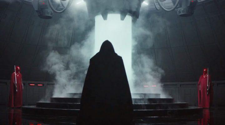 Un personaje oscuro con capa está custodiado por Soldados Imperiales en 'Rogue One: Una historia de Star Wars'