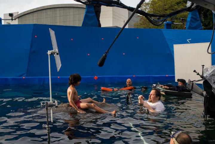 En la piscina con Mowgli y Baloo