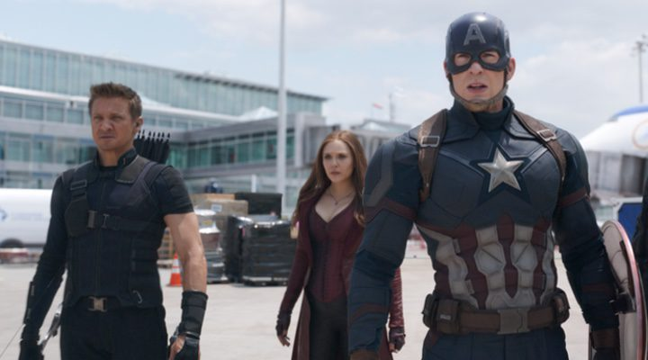 Elizabeth Olsen, Jeremy Renner y Chris Evans en 'Capitán América: Civil War'