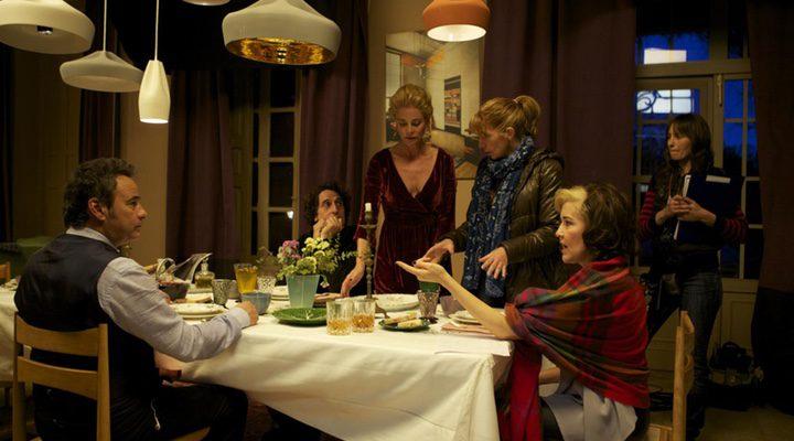 Inés París con todo su equipo de 'La noche que mi madre mató a mi padre