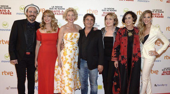 El equipo de 'La noche que mi madre mató a mi padre' presentando su película en Málaga