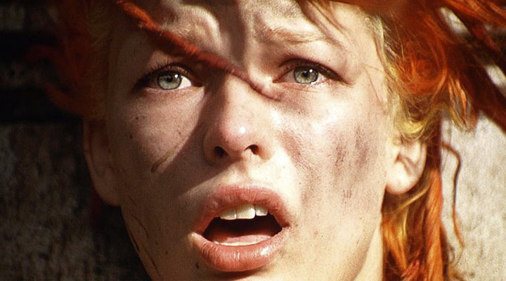 Milla Jovovich es Leeloo en 'El quinto elemento'