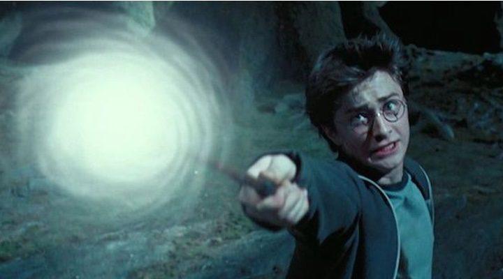 Harry Potter conjurando su expecto patronum en 'Harry Potter y el prisionero de Azkaban'
