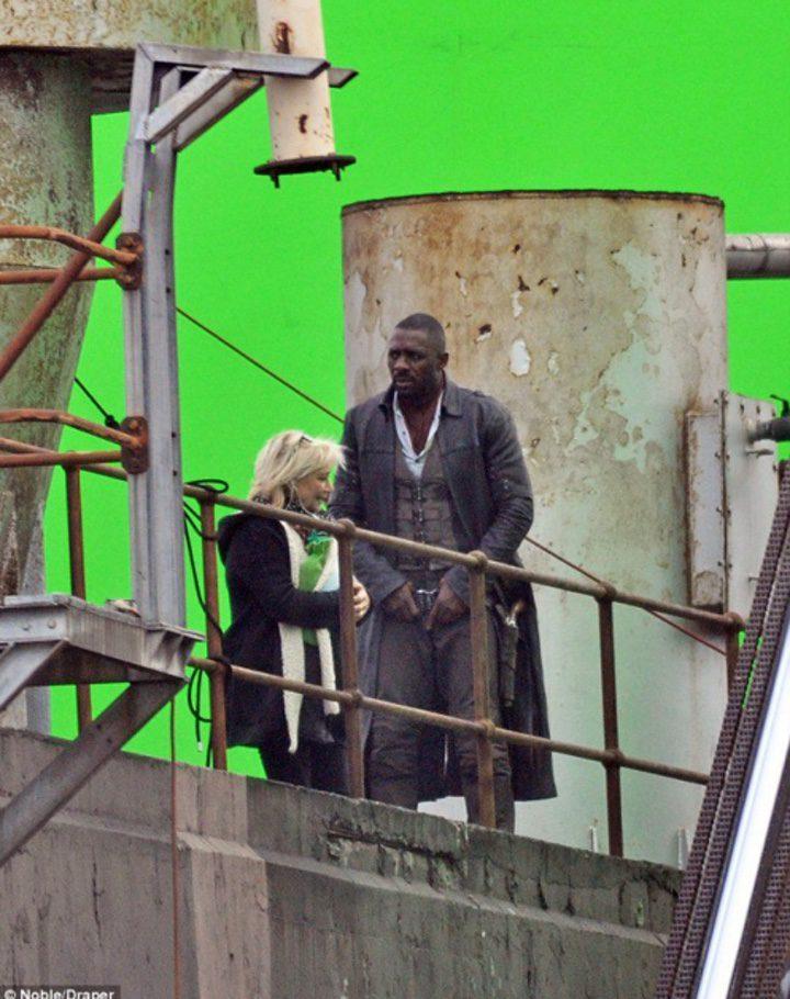 Idris Elba en el set de 'La torre oscura'