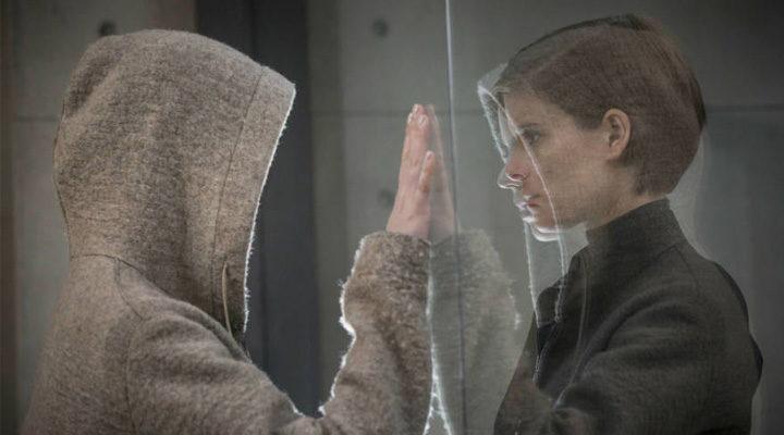 Kate Mara protagoniza 'Morgan' junto con Anya Taylor-Joy