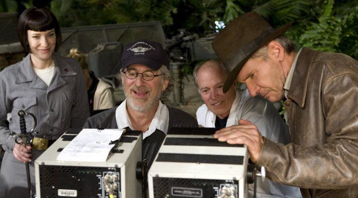 Steven Spielberg y Harrison Ford en el rodaje de 'Indiana Jones y el reino de la calavera de cristal