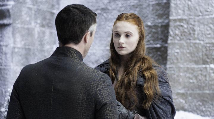 'Juego de Tronos': Los protagonistas explican esa mirada entre Sansa y Meñique