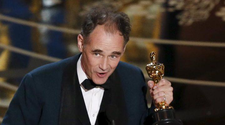 Mark Rylance recoge el Oscar por 'El puente de los espías'