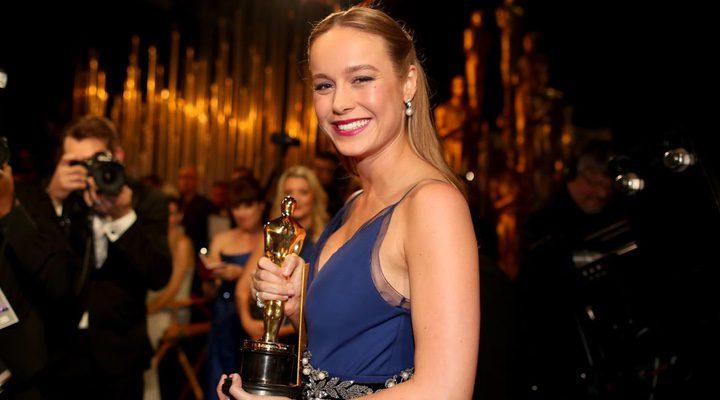 Brie Larson con el Oscar