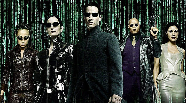 Jada Pinkett Smith, Carrie-Anne Moss, Keanu Reeves, Laurence Fishburne y Monica Bellucci en 'Matrix'