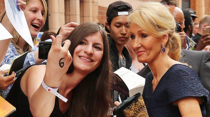 J.K Rowling en la premiere de 'Harry potter y el legado maldito'