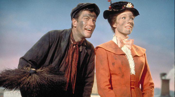 Dick Van Dyke y Julie Andrews en Mary Poppins