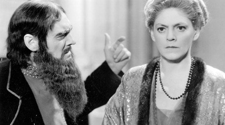 Lionel Barrymore como Rasputín