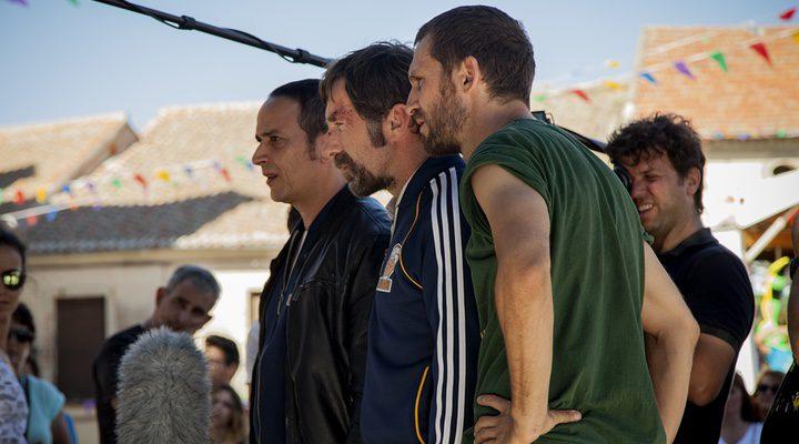 Luis Callejo, Antonio de la Torre y Raúl Arévalo en el rodaje de 'Tarde pra la ira'