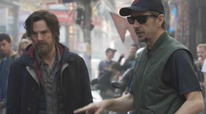 Benedict Cumberbatch y Scott Derrickson en 'Doctor Strange (Doctor Extraño)'