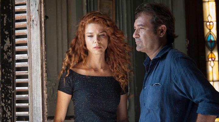 Jorge Perugorría y Juana Acosta en 'Vientos de La Habana'