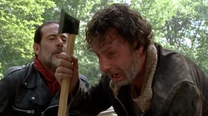 Negan, torturando psicológicamente a Rick