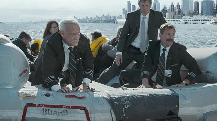 Tom Hanks y Aaron Eckhart en 'Sully'