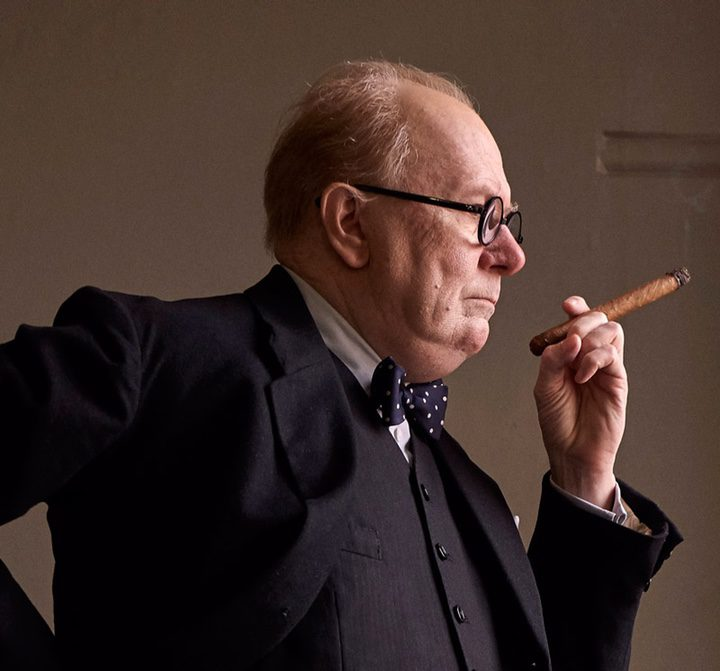 Gary Oldman como Winston Churchill en 'Darkest Hour'