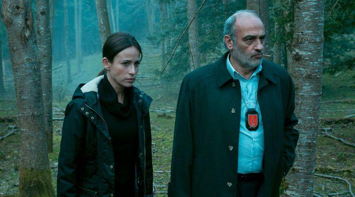 Marta Etura y Francesc Orella en 'El guardián invisible'