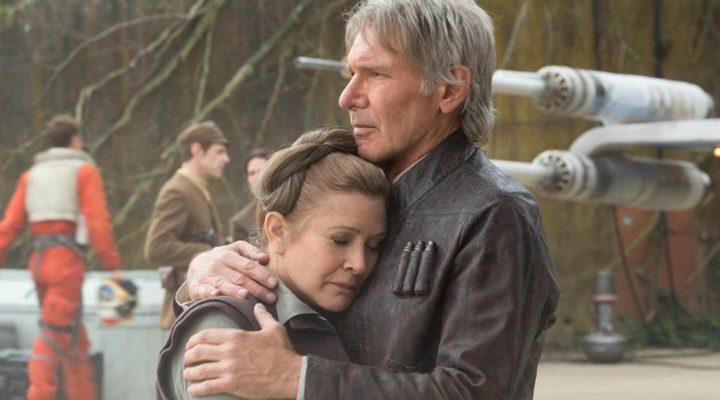 Abrazo entre Leia y Han en 'Star Wars: El despertar de la Fuerza'