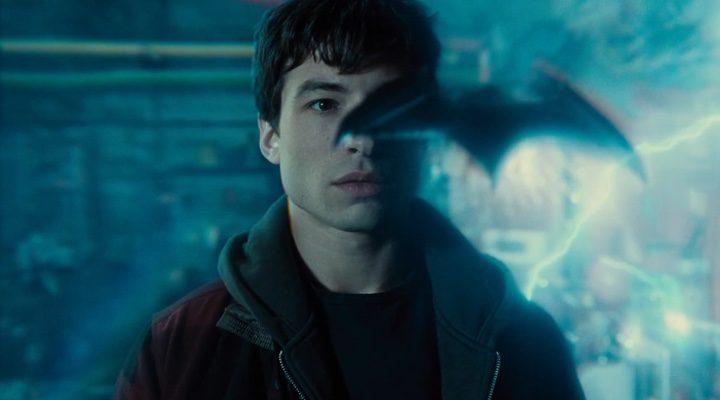 Ezra Miller como Flash