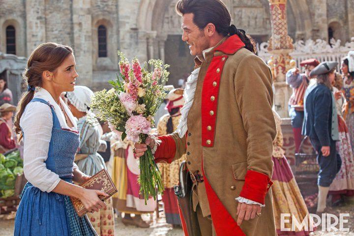 Emma Watson y Luke Evans como Bella y Baston en 'La Bella y la Bestia'