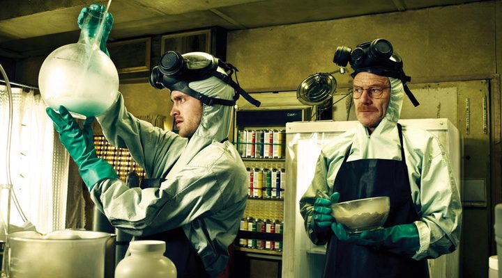 Jesse Pinkman y Walter White cocinando meta en 'Breaking Bad'