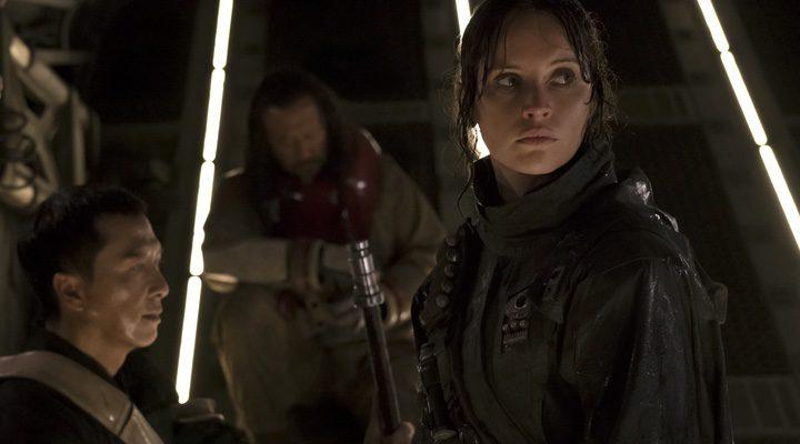 'Rogue One': Acción bélica de trepidante final y no tan trepidante viaje