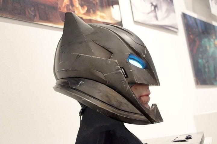 Perfil del posible casco de Batman