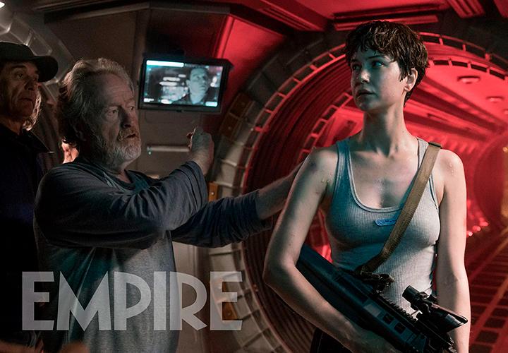 Katherine Waterston y Ridley Scott en 'Alien: Covenant'
