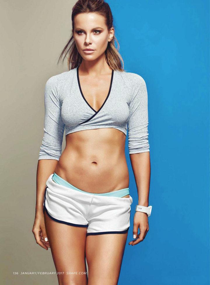 Kate Beckinsale posando