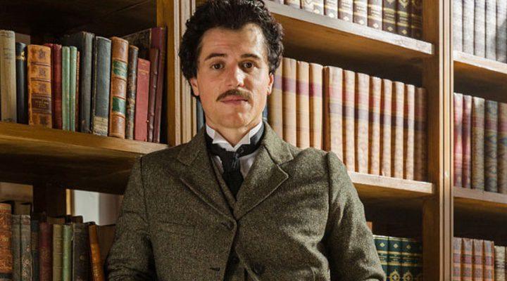 Johnny Flynn como el joven Albert Einstein en 'Genius'