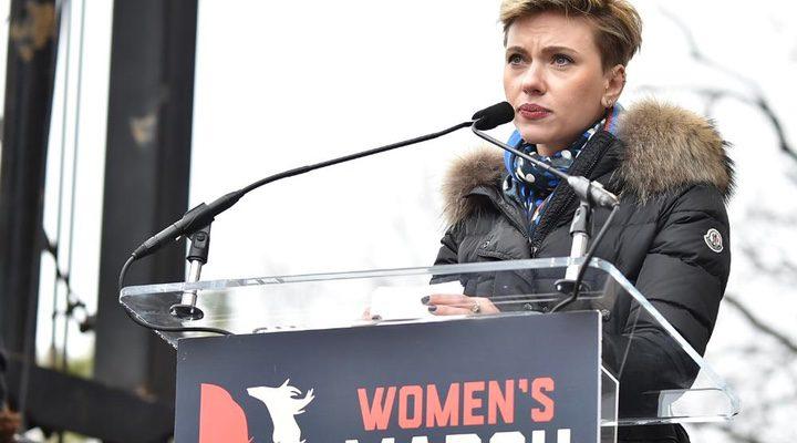 Scarlett Johansson durante su discurso en la Marcha de las mujeres