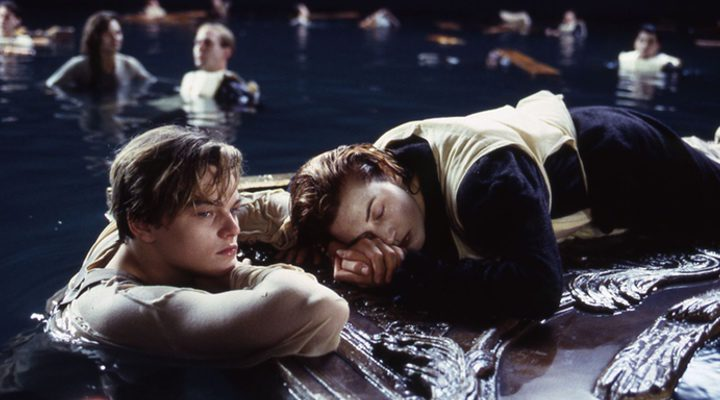 Titanic': James Cameron explica por qué Jack y Rose no cabían en ...