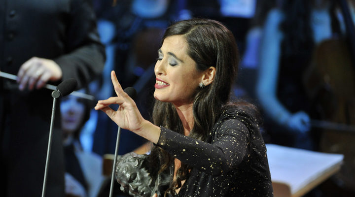 Silvia Pérez Cruz cantando