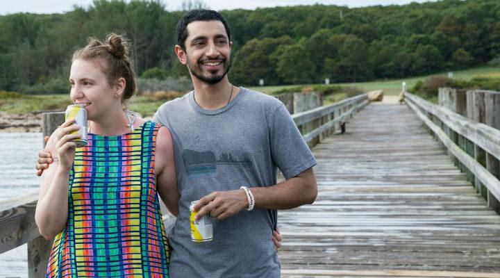 Lena Dunham y Riz Ahmed