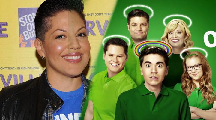 La actriz Sara Ramirez frente al elenco de 'The Real O'Neals'