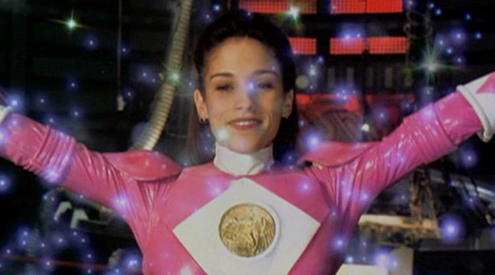 Amy Jo Johnson como Power Ranger rosa