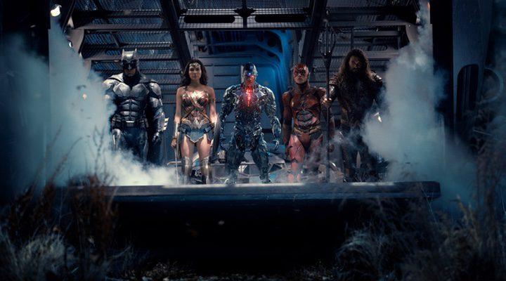 Batman (Ben Affleck), Wonder Woman (Gal Gadot), Cyborg (Ray Fisher), The Flash (Ezra Miller) y Aquaman (Jason Momoa)