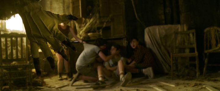El payaso ataca a los niños en 'It (Eso)'