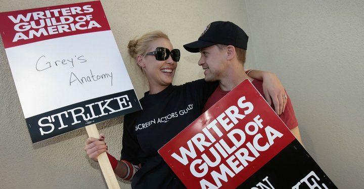 Varios protagonistas de 'Anatomía de Grey' apoyando la huelga de guionistas
