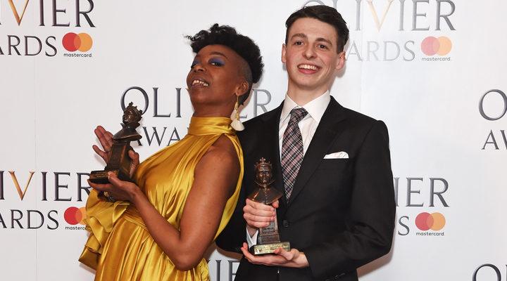 Noma Dumezweni y Anthony Boyle en los Premios Olivier 2017