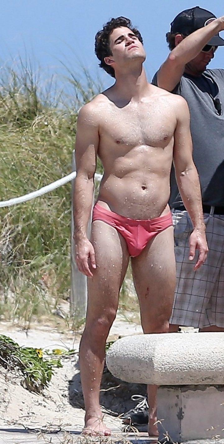 Darren Criss posará en un mini bañador speedo para 'Assassination of Gianni Versace: American Crime Story'