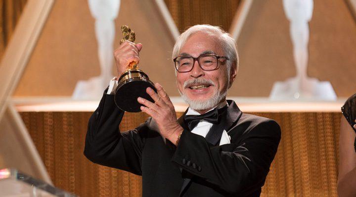 Hayao Miyazaki recibiendo el Óscar