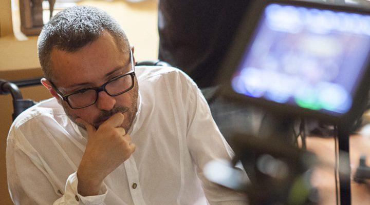 Roberto Pérez Toledo en uno de sus rodajes
