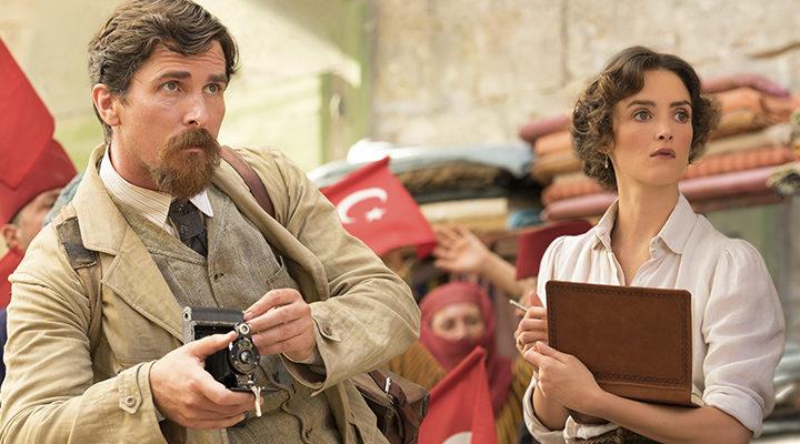 Christian Bale y Charlotte Le Bon en 'La promesa'