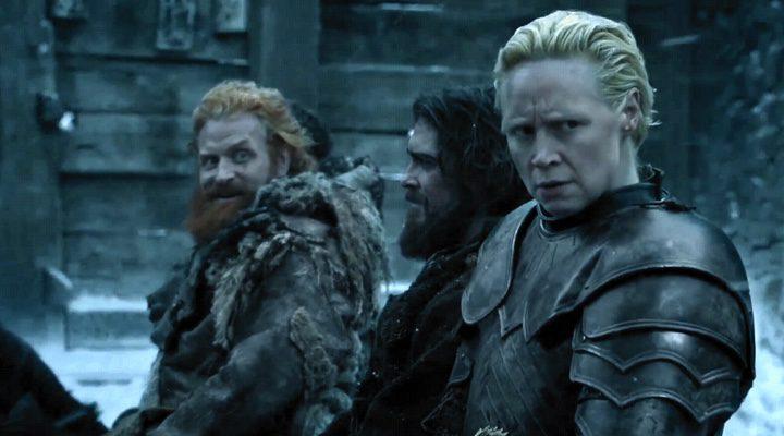 Momento en el que Brienne aparta la mirada a Tormund.