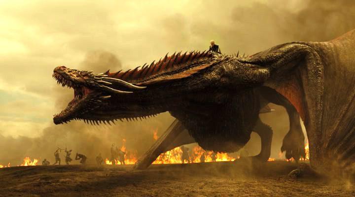 Daenerys sobre un dragón